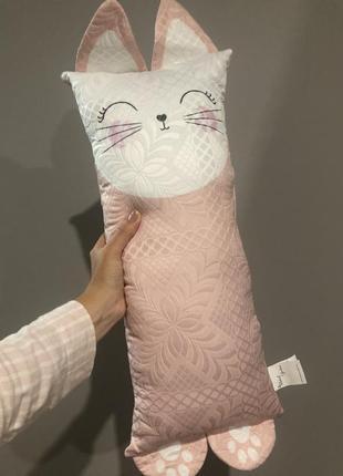 Детская подушка для машины