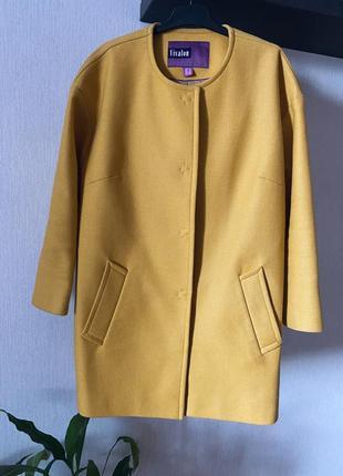 Шерстяное пальто оверсайз на осень