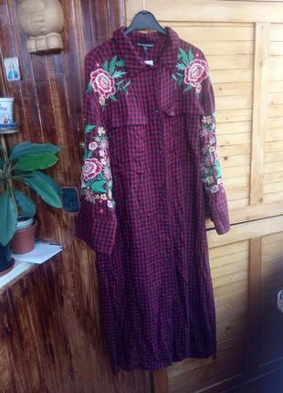 Актуальна сукня сорочка в клітинку з вишивкою, плаття сарафан віскоза zara