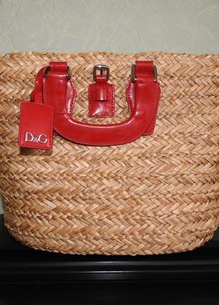 Соломенная сумка с кожаной отделкой d&g -оригинал