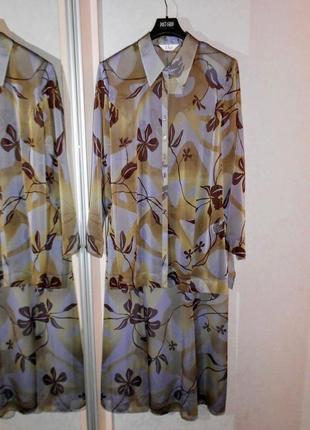 Легкий костюм блуза и юбка, прекрасное качество, р.18-20, примерно на наш 54