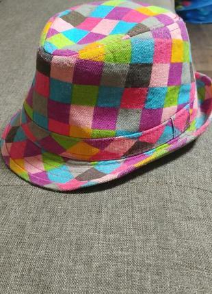 Яркая шляпка на 4-6 лет