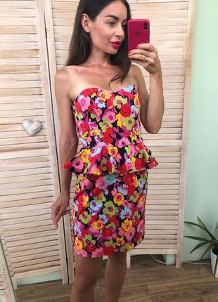 Стильное коттоновое платье бюстье  с баской в цветы