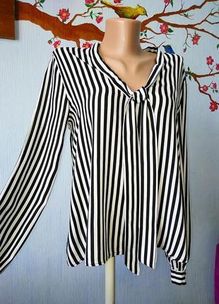 Тонкая вискозная блузка