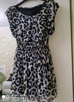 Легкое милое платьице в анималистическом стиле