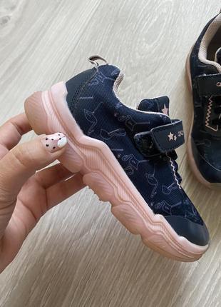 Светящиеся кроссовки lupilu