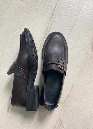 Туфли низкий ход квадратный каблук кожа