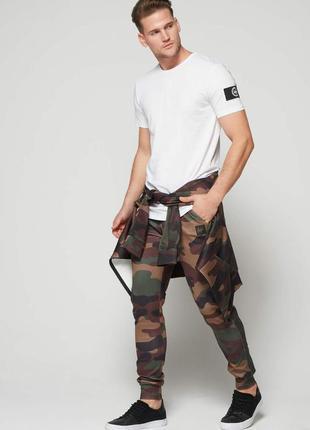 Стильная мужская футболка justhype. размер xs