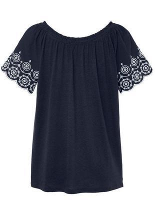 Беззаботная. легкая блуза в стиле кармен с открытыми плечами tcm tchibo