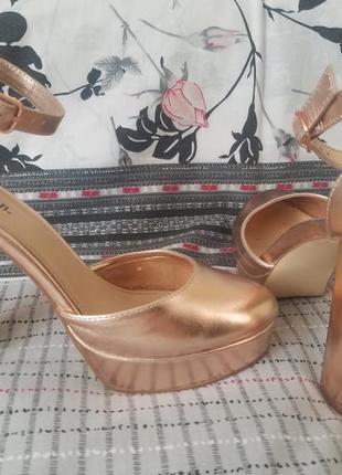 Туфли justfab на каблуках, золотистого цвета, большой размер 43