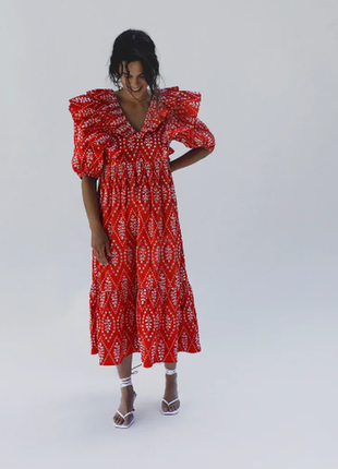 Платье zara с ажурной вышивкой