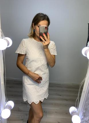 Белое хлопковое батистовое платье zara