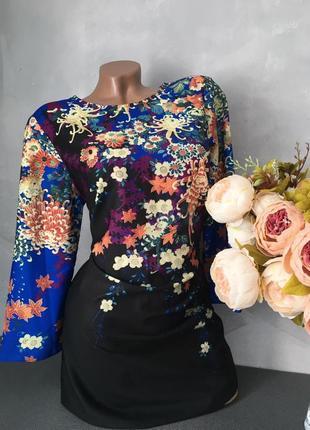 Красивенное платье принт цветы очень красивое