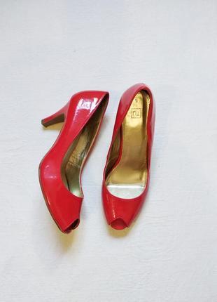 Эффектные красные туфли лодочки tu размер 38/5