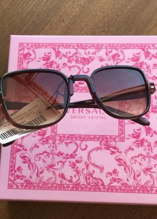Солнцезащитные очки коричневый цвет