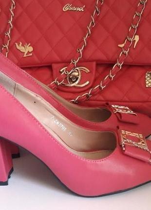 Туфли фуксия на устойчивом каблуке эко кожа.  .стелька натуральная кожа! польша!