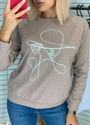 Свитшот с силуэтом девушки в шляпе мокко