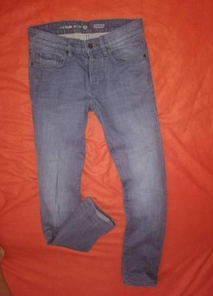 Красивые мужские джинсы слим c&a 32/32 в очень хорошем состоянии