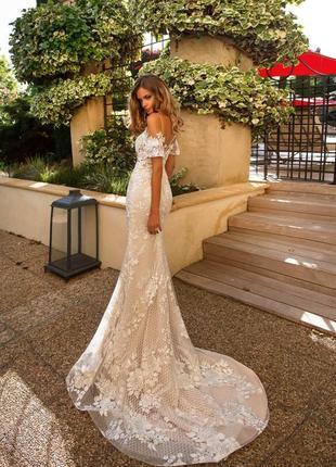 Ефектна брендова весільна сукня від дизайнера milla nova