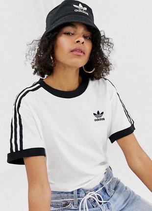 Adidas оригинальная футболка с лампасами адидас