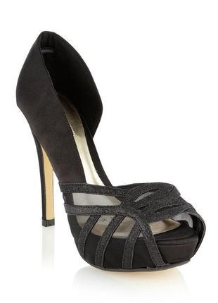 Красивые и стильные туфли босоножки на аысоком каблуке