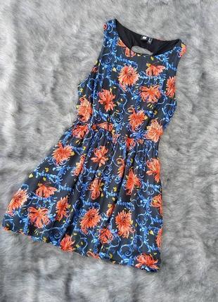 Хлопковое платье с цветочным принтом и шнурованной спинкой