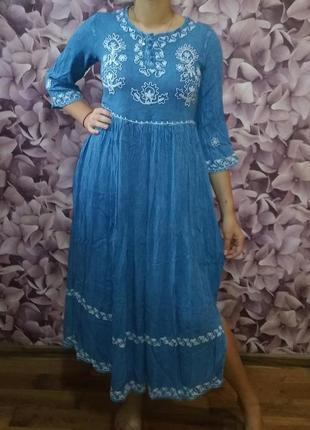Классное платье вышиванка  из вискозы варёнка