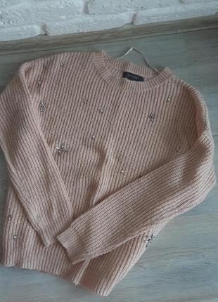 Красивый нежный свитер