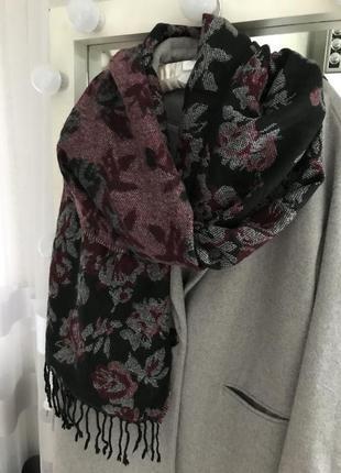 Объёмный шарф двухсторонний laura ashley