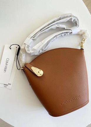 Кожаная сумка calvin klein