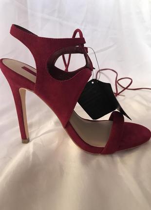 Босоножки на шнуровке forever 21