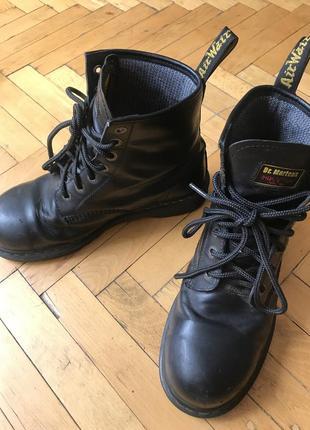 Мартинсы с железным носком берцы военная обувь dr martens