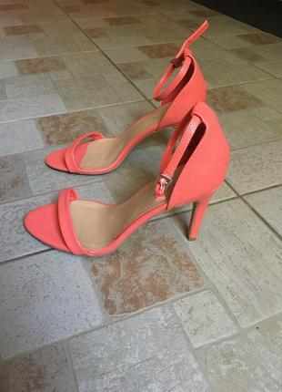 Элегантные босоножки на шпильке коралловые персиковые туфли на ремешке сандалии