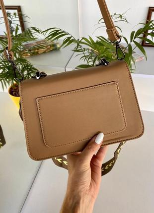 Стильная брендовая сумочка