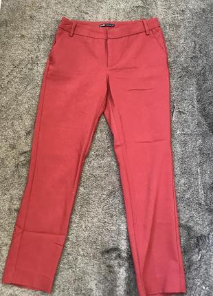 Красные брюки oodji размер с