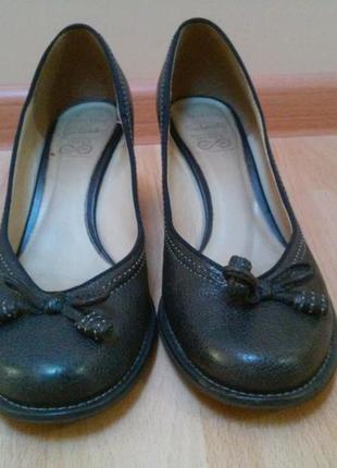 Туфлі фірми clarks