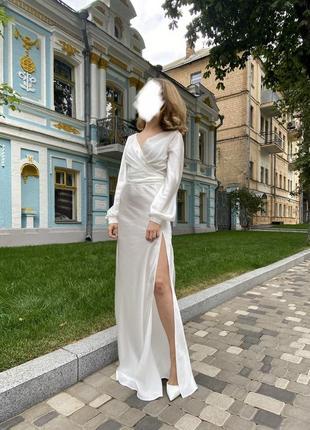 Атласное белое свадебное/вечернее платье