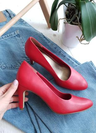 Красные туфли tamaris, германия