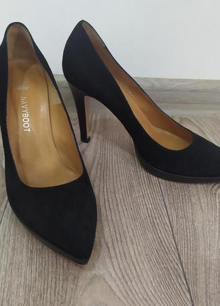 Фирменные туфли дорогого бренда navy boot