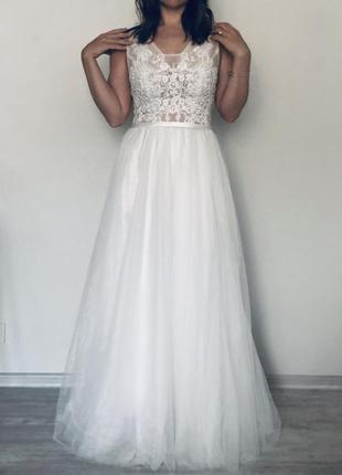Эксклюзивное платье ручной работы с дорогим кружевом