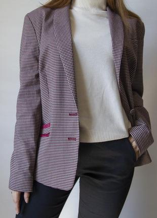 Очень красивый приталенный пиджак от tu