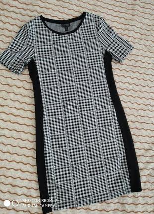 Платье в шашечки новое
