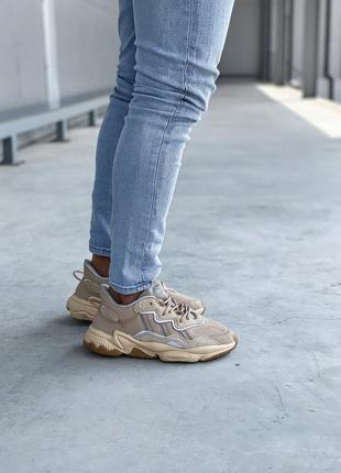 Коричневые кроссовки унисекс adidas ozweego