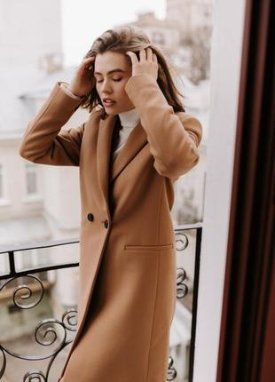 Женское стильное пальто season бербери цвета кэмэл