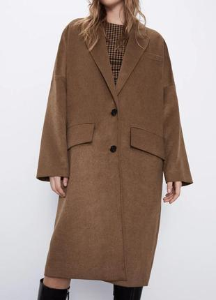 Бежево-коричневое пальто zara нюанс