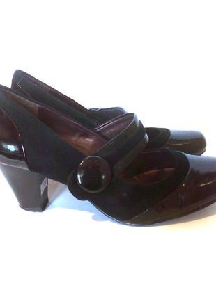 Стильные кожаные лаковые туфли clarks, р.42 код t4105