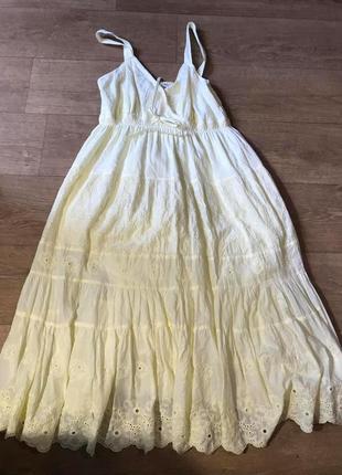 Модные вещи для пышных дам  сарафан нежно-желтого цвета из прошва.