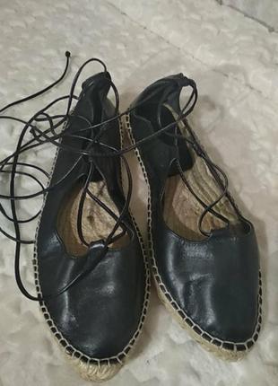 Туфли, эспадрильи