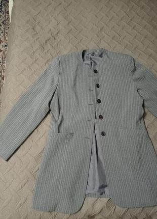 Длинный пиджак в полоску