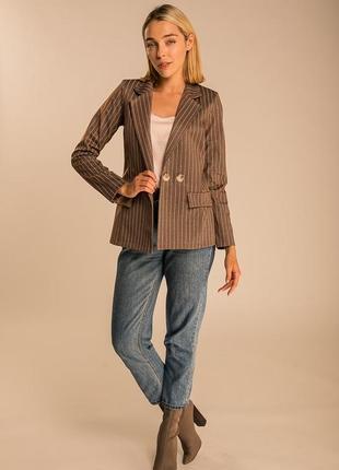 Пиджак коричневый в полоску